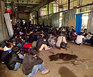 Более 700 нелегалов из Въетнама жили и трудились на складе в Москве