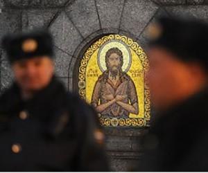 Вооруженные азиаты напали на столичный православный храм