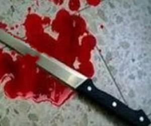 Пьяная женщина зарезала свою знакомую и ранила мужчину