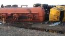 Бензовоз «без торомозов» влетел в отбойник на Киевском шоссе