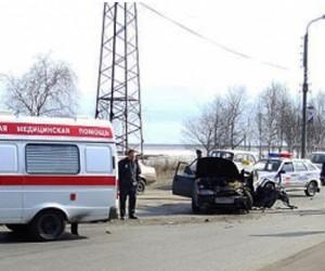 В ДТП под Москвой  погибла пенсионерка, врезавшаяся на автомобиле в машину с полицейскими