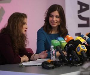 Pussy Riot сразу после освобождения провели пресс-конференцию