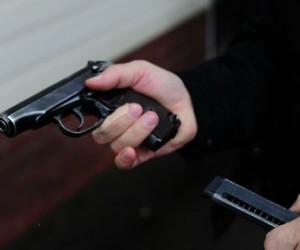 В Москве мужчина в маске открыл стрельбу в пригородном поезде
