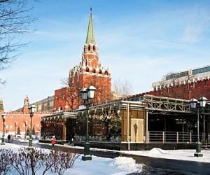 В Александровском саду появился сувенирный магазин Музеев Кремля
