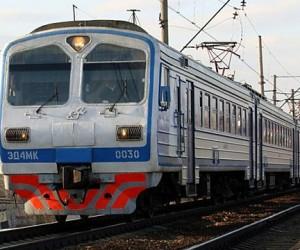 В Москве пригородный поезд сбил двух подростков под Савёловским мостом