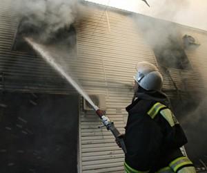 После тушения пожара в центре столицы обнаружены четверо погибших, со следами насильственной смерти