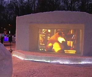 В Измайловском парке появился кинотеатр из снега