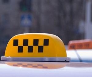 Таксист погиб при попытке ограбить клиентку