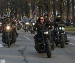 В Севастополь везут гуманитарную помощь из Москвы