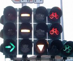 К лету в Москве установят светофоры для велосипедистов