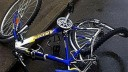 Под колёса грузовика попала юная велосипедистка