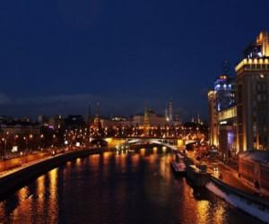 Новое светодиодное освещение на московских  мостах