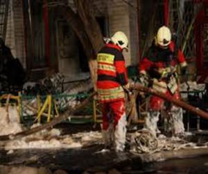 В здании автосервиса при пожаре погиб человек