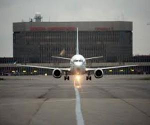 В Шереметьево экстренно сел самолёт с министром обороны Армении