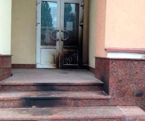 «Русское радио» в Киеве забросали коктейлями молотова