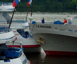 Купальщицу в Москве-реке травмировал катер