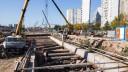 ЧП на стройке: автокран и двое рабочих упали в котлован строящегося метро