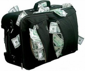 Из квартиры московского юриста вынесли 4 миллиона рублей