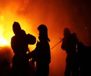 Во время пожара в квартире в центре Москвы пострадал человек