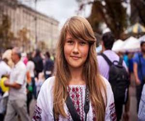 Москвичи в украинских вышиванках