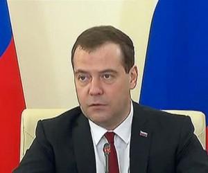 Медведев выступил с предложением аттестовать юридические университеты и факультеты