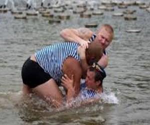 В Москве десантник утонул в пруду