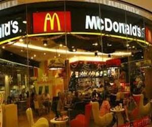 В Москве закрыли четыре Макдоналдса