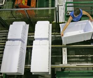 На трехдневную рабочую неделю переведен Смоленский завод холодильников
