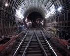 После падения на рельсы метро скончался пенсионер